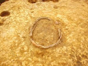 堀込遺跡:土器で囲われた炉跡