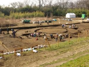 三竹遺跡:1号墳(周溝径約21mの円墳)の調査