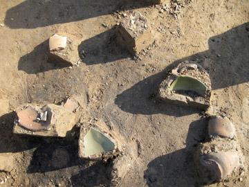 長竹遺跡:緑釉陶器出土状況(平安時代)