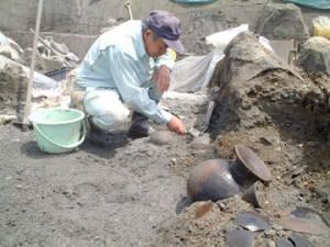 反町遺跡:大溝跡から土器が出土