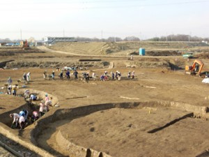反町遺跡:古墳跡の調査