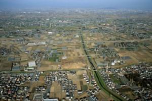 皿沼西遺跡:皿沼西遺跡航空写真(南から北を望む)