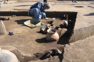 皿沼西遺跡:発掘調査の様子