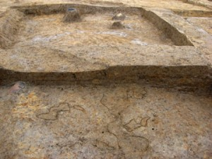 皿沼西遺跡:住居跡の土層に確認された噴砂