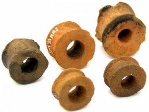 諏訪野遺跡:土製耳飾り