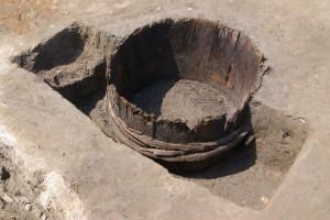 このように埋められた桶がいくつも出てきました
