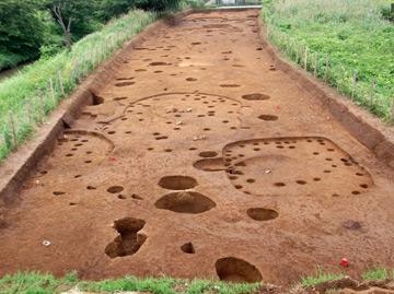 赤砂利遺跡:縄文時代中期の土壙
