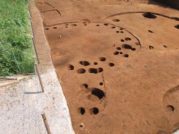 赤砂利遺跡:土壙から出土した深鉢形土器