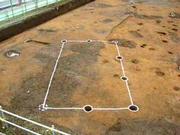 二ツ家下遺跡:掘立柱建物跡