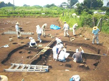木曽免遺跡:7号住居跡の調査