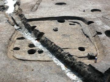 小林八束1遺跡:古墳時代の竪穴住居跡