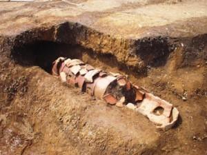 杉の木遺跡:埴輪棺の出土状態