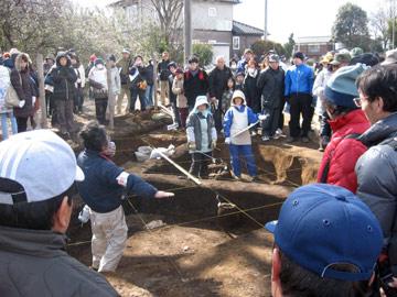 諏訪野遺跡:遺構・遺物の記録方法の説明