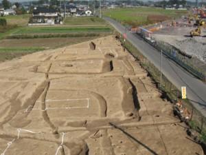 富田後遺跡:方形周溝墓群