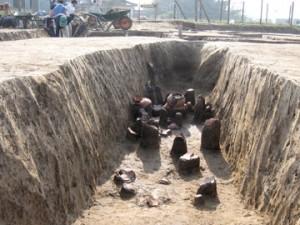 富田後遺跡:周溝遺構の出土状況