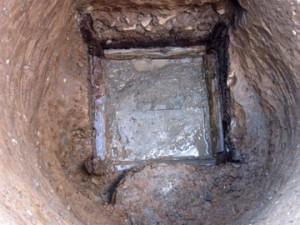 天神台東遺跡:木組みの井戸(縦板組隅柱横桟どめ)